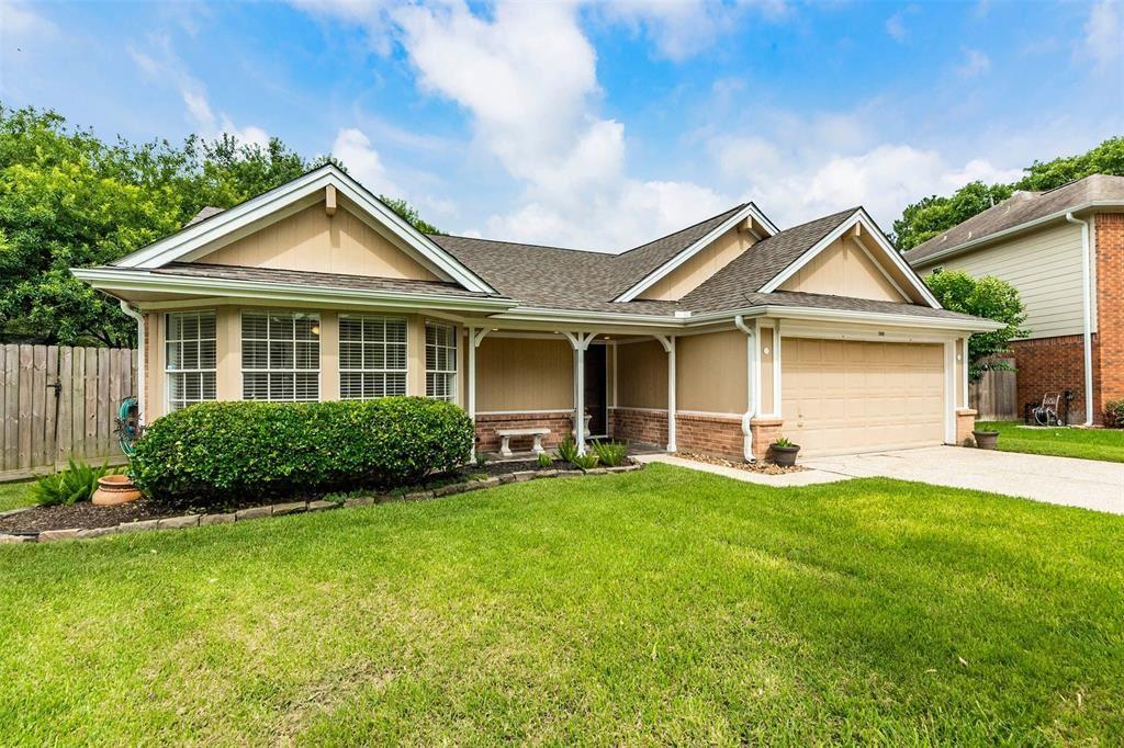500 Magnolia Circle, League City, TX 77573 - MLS#: 43495180