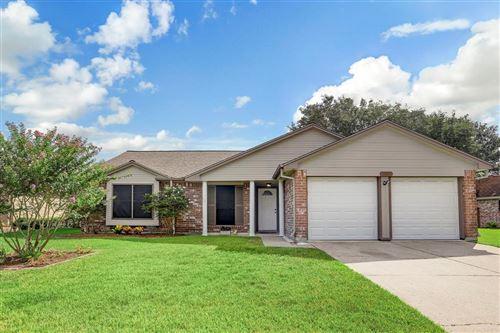 Photo of 16811 Barkentine Lane, Friendswood, TX 77546 (MLS # 37942181)