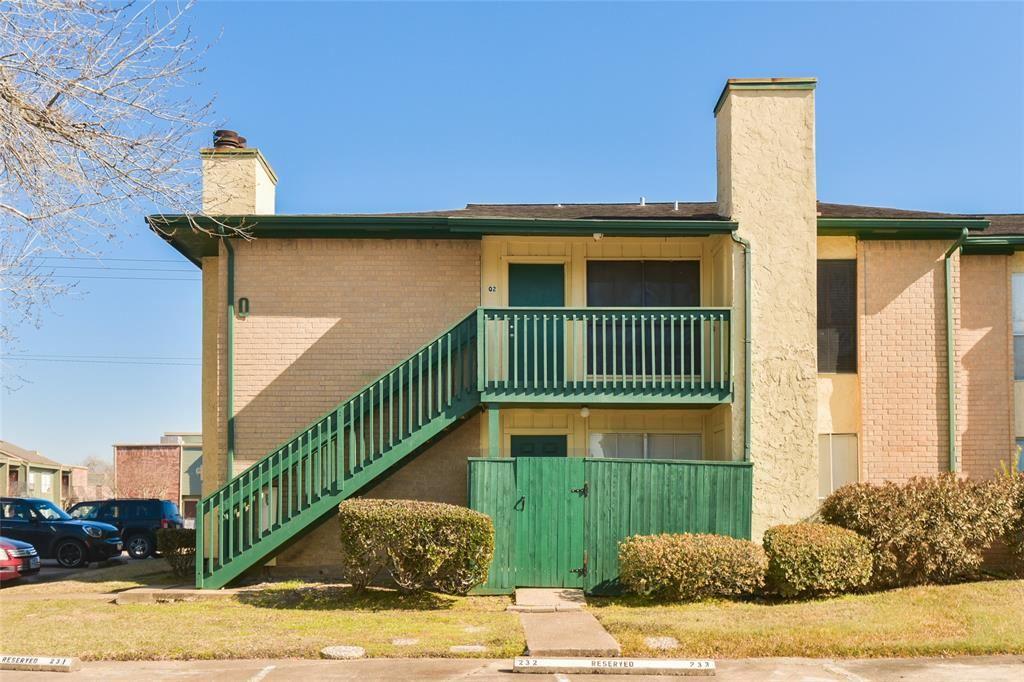 Photo for 1516 Bay Area Boulevard #Q2, Houston, TX 77058 (MLS # 63422181)