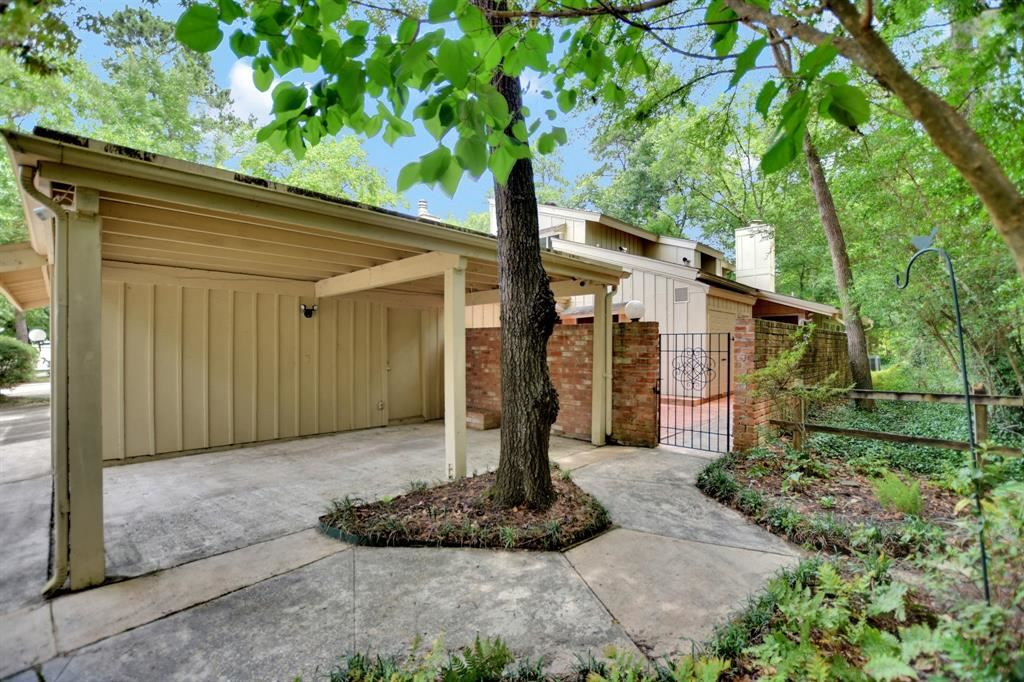 Photo for 2312 W Settlers Corner Way, The Woodlands, TX 77380 (MLS # 10597184)