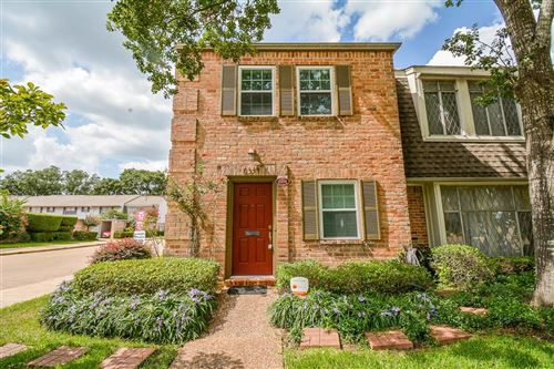 Photo of 6334 Chevy Chase Drive #17, Houston, TX 77057 (MLS # 83827186)