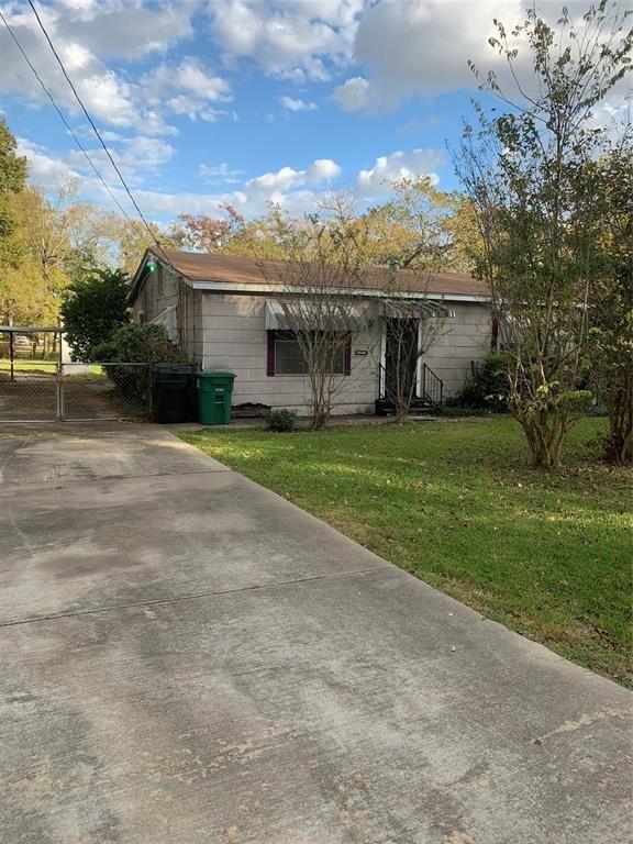 Photo for 4224 Englewood Street, Houston, TX 77026 (MLS # 13526188)