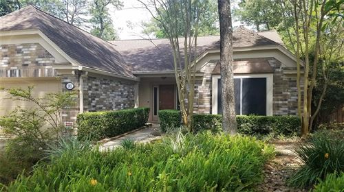 Photo of 102 S Village Knoll Circle, The Woodlands, TX 77381 (MLS # 60671190)