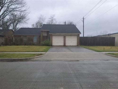 Photo of 2102 Tall Ships Drive, Friendswood, TX 77546 (MLS # 58306197)