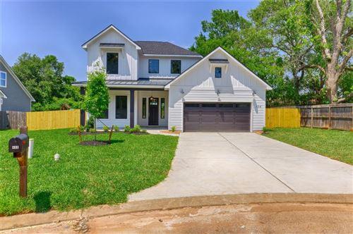 Photo of 484 Worsham Street, Montgomery, TX 77316 (MLS # 85418201)
