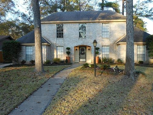 Photo of 2207 Lakeville Drive, Houston, TX 77339 (MLS # 81650205)