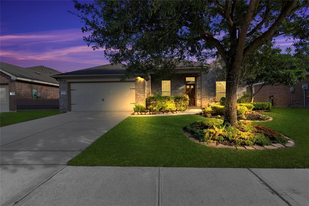 Photo for 17218 Pine Hollow Landing Court, Houston, TX 77084 (MLS # 86156205)