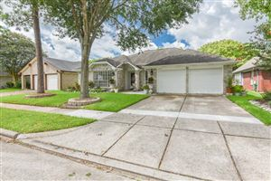 Photo of 16030 Surrey Woods Drive, Friendswood, TX 77546 (MLS # 58173206)
