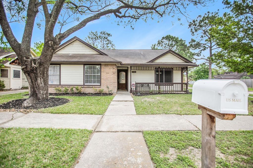 Photo for 11702 Henley Drive, Houston, TX 77064 (MLS # 87989209)
