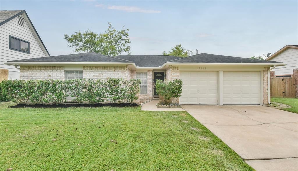 Photo for 10818 Sagemeadow Lane, Houston, TX 77089 (MLS # 42361210)