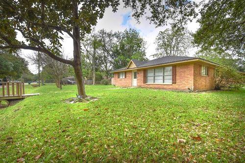 Photo of 1307 W Talmage Street, Alvin, TX 77511 (MLS # 15238211)