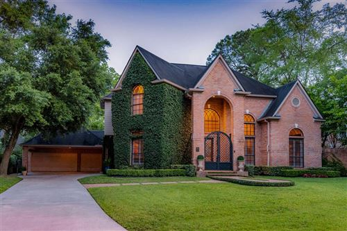 Photo of 15 Wood Cove Drive, The Woodlands, TX 77381 (MLS # 41200211)