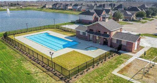 Photo of 448 Lake Line Drive, Alvin, TX 77511 (MLS # 41023212)