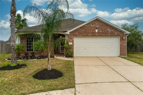 Photo of 420 Creekpoint Court, Dickinson, TX 77539 (MLS # 7631216)