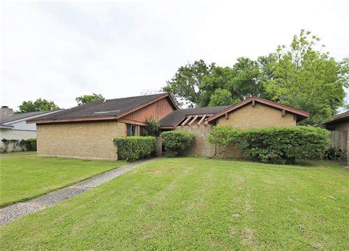 Photo of 16430 Glenshannon Drive, Houston, TX 77059 (MLS # 52817217)