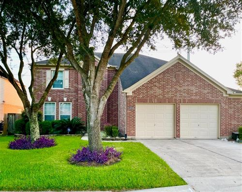 Photo of 13208 Imperial Shore Drive, Pearland, TX 77584 (MLS # 92575217)