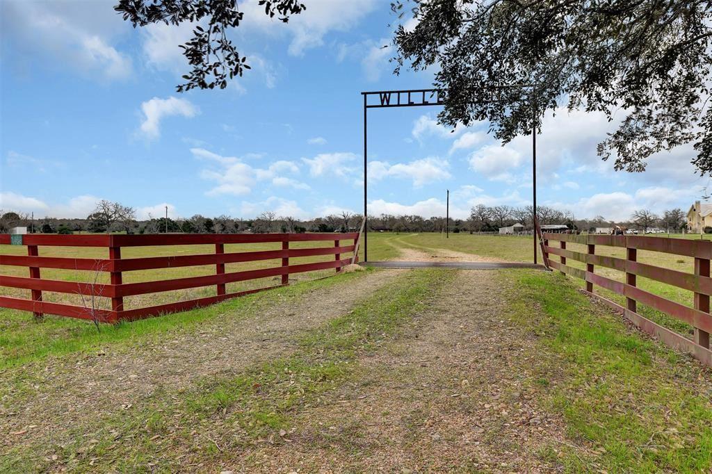 Photo for 1459 Shaws Bend Road, Columbus, TX 78934 (MLS # 86811218)