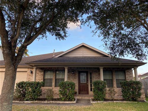 Photo of 3706 Grand Hills Lane, Friendswood, TX 77546 (MLS # 82370220)