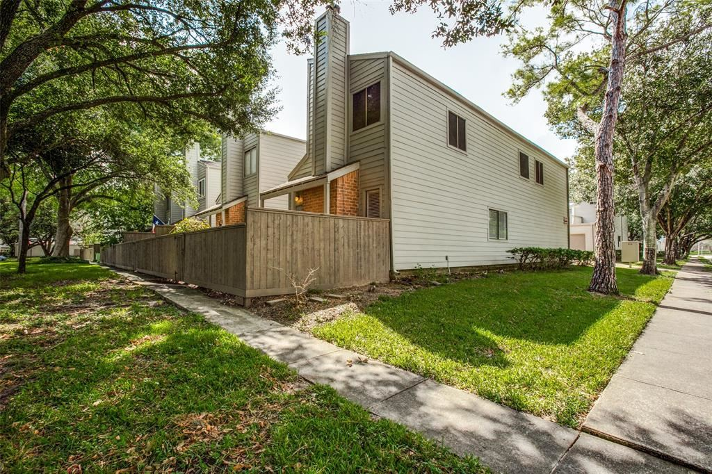 Photo for 11735 Lakeside Place Drive, Houston, TX 77077 (MLS # 62708220)