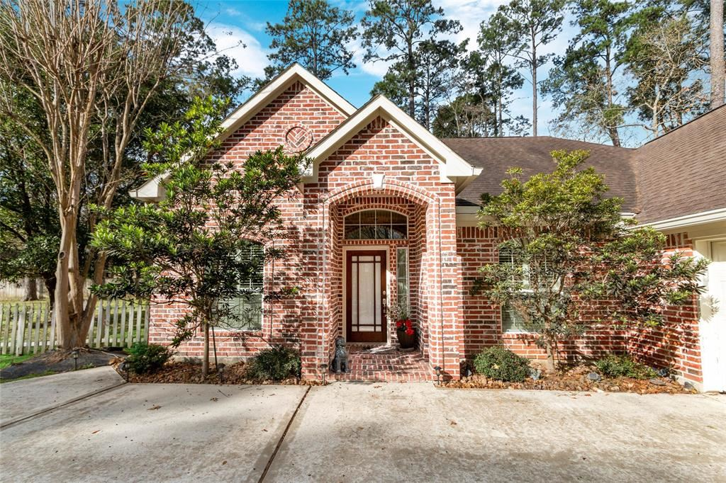 Photo for 144 Park Way, Conroe, TX 77356 (MLS # 79028220)