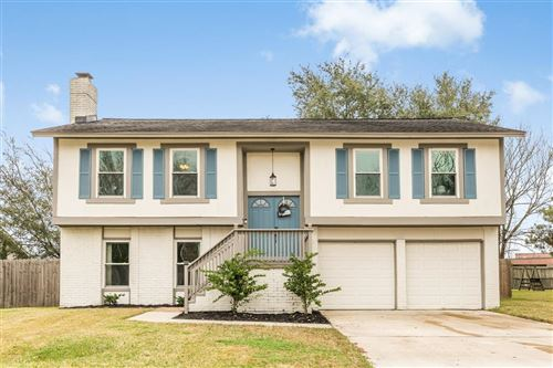 Photo of 453 E Castle Harbour Drive, Friendswood, TX 77546 (MLS # 20076221)