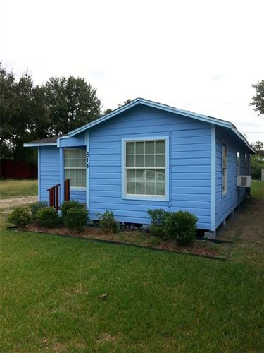 Photo of 814 W 17th Street, Houston, TX 77008 (MLS # 22191223)