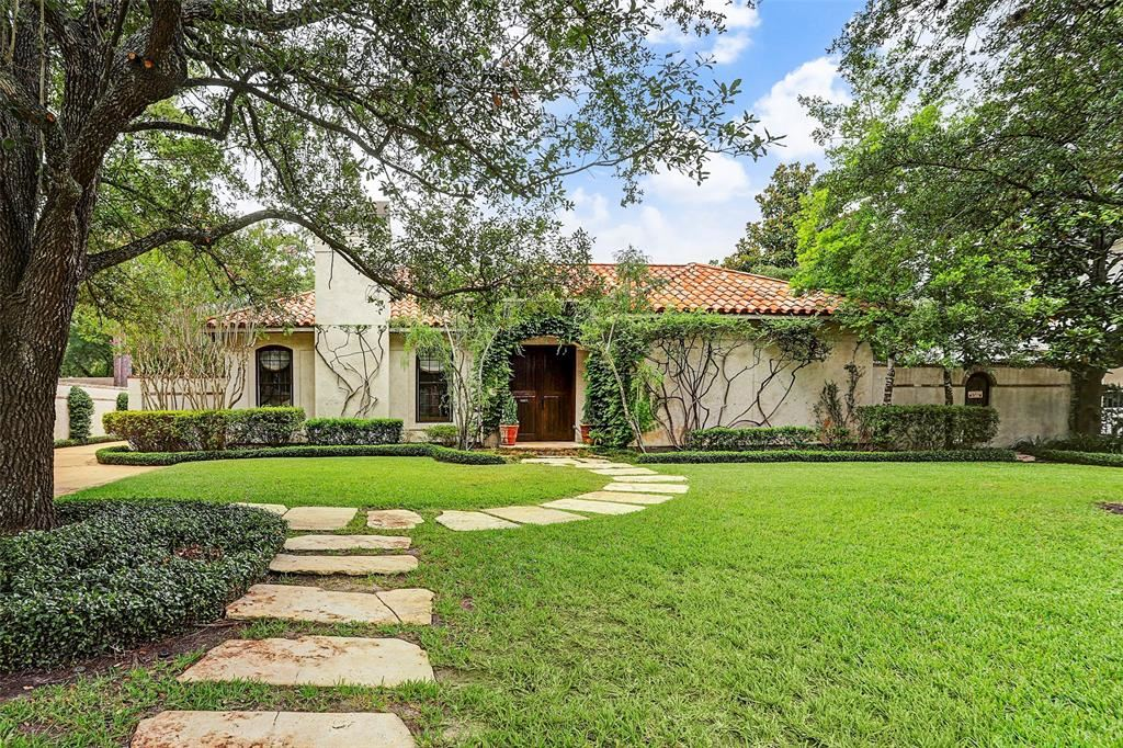Photo for 5308 Pine Forest Road, Houston, TX 77056 (MLS # 54086224)