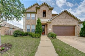 Photo of 1903 Dry Willow Lane, Pearland, TX 77089 (MLS # 56064227)
