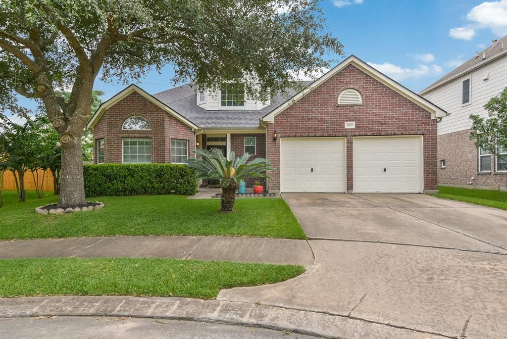 Photo for 19707 Youpon Leaf Way, Houston, TX 77084 (MLS # 26017231)