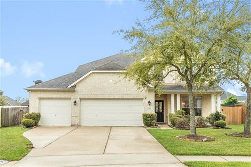 Photo of 12914 Southport Drive, Pearland, TX 77584 (MLS # 95725233)