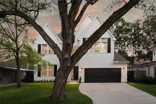 Photo of 1643 Woodcrest Drive, Houston, TX 77018 (MLS # 11946242)