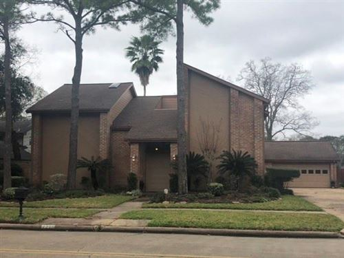 Photo of 2306 Green Tee Drive, Pearland, TX 77581 (MLS # 45953244)