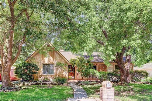 Photo of 3218 Grove Terrace Drive, Houston, TX 77345 (MLS # 61962244)