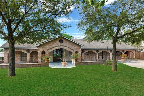 Photo of 135 N Deer Lake Road, Huffman, TX 77336 (MLS # 95086250)