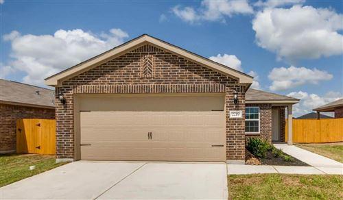 Photo of 2112 Bowline Road, Texas City, TX 77568 (MLS # 10745257)