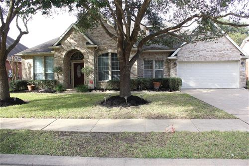Photo of 10011 Erin Glen Way, Pearland, TX 77584 (MLS # 65258257)