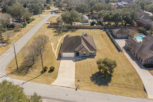 Photo of 103 W Timberlane Drive, Alvin, TX 77511 (MLS # 39545259)