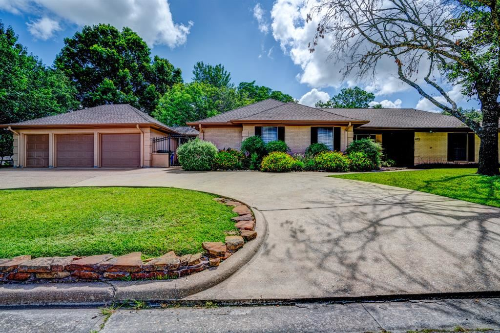 403 Brookhollow Drive, Huntsville, TX 77340 - MLS#: 74514261