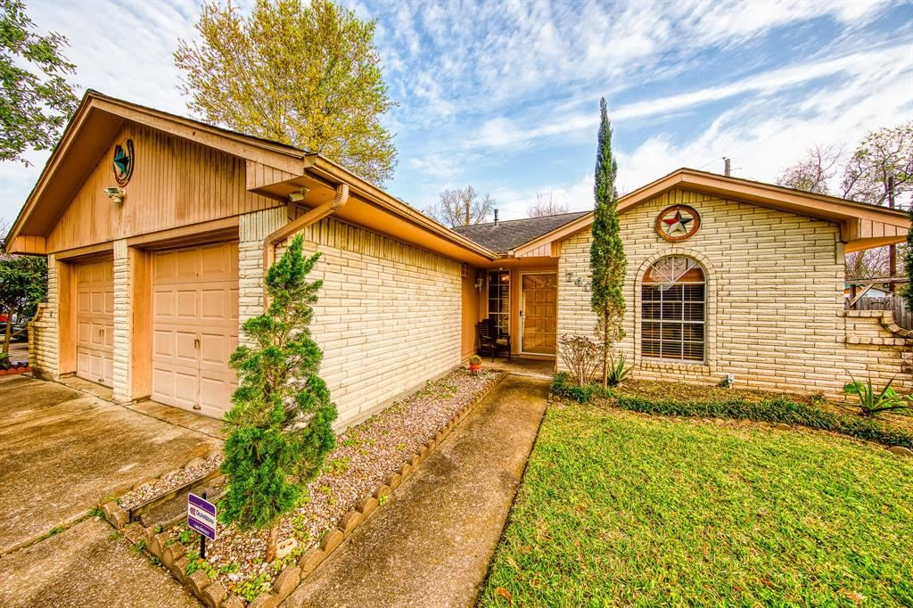 7406 Log View Drive, Houston, TX 77040 - MLS#: 71610266