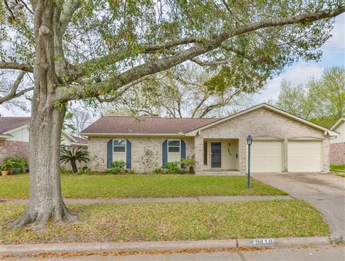 Photo of 9418 Willow Meadow Drive Drive, Houston, TX 77031 (MLS # 10849268)