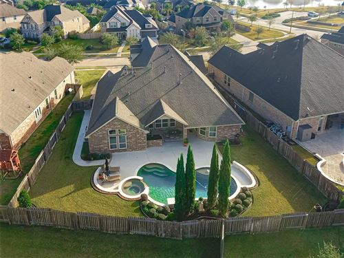 Photo of 1026 Knoll Bridge Lane, Friendswood, TX 77546 (MLS # 72754270)