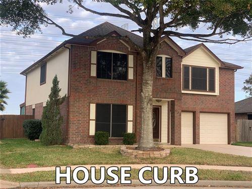 Photo of 522 Oak Briar Drive, Kemah, TX 77565 (MLS # 33418271)