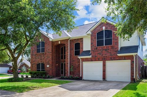 Photo of 922 E Hampton Drive, Pearland, TX 77584 (MLS # 22657272)