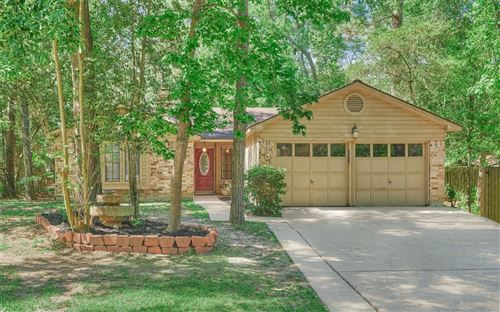 Photo of 105 E Mistybreeze Circle, The Woodlands, TX 77381 (MLS # 46982272)