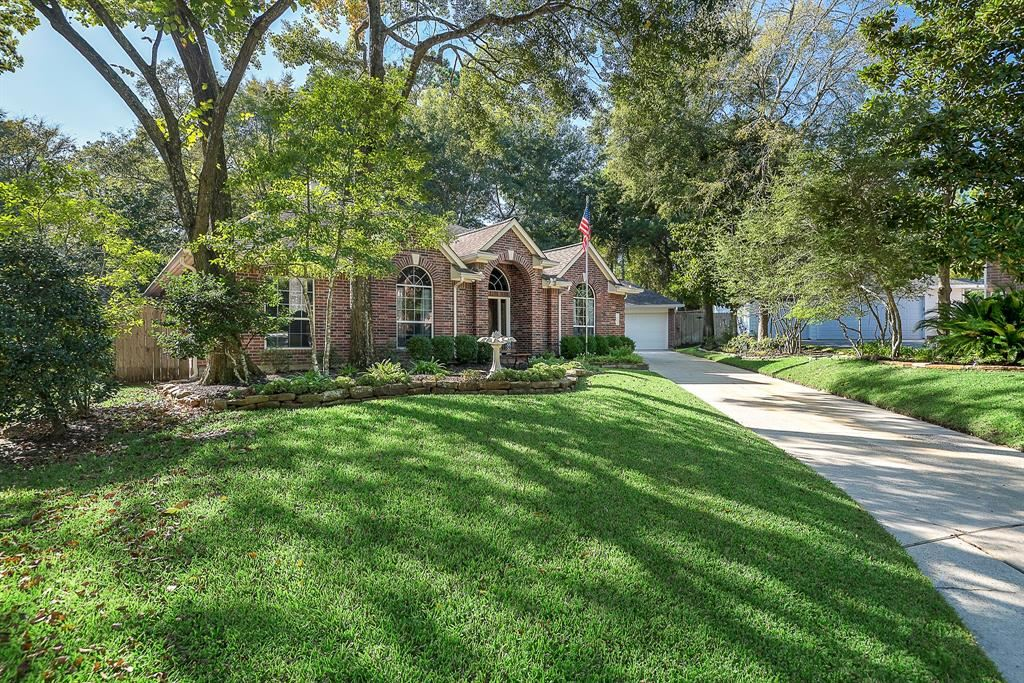 Photo for 35 Vista Mill Place, The Woodlands, TX 77382 (MLS # 51417277)