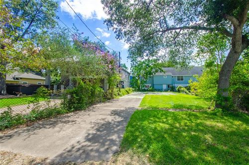 Photo of 213 Narcissus Road, Clear Lake Shores, TX 77565 (MLS # 89520278)