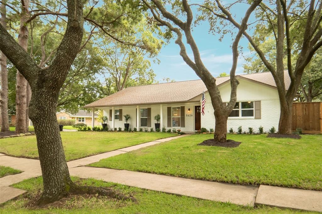 5626 Briarbend Drive, Houston, TX 77096 - MLS#: 90729280