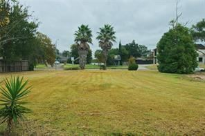 Photo of 18646 Upper Bay Road, Nassau Bay, TX 77058 (MLS # 96338283)
