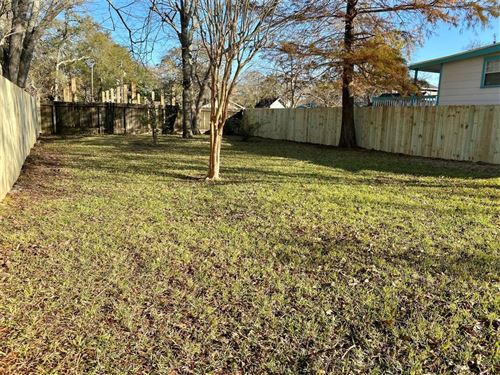 Photo of 0 Hawthorne Road, Clear Lake Shores, TX 77565 (MLS # 78430286)