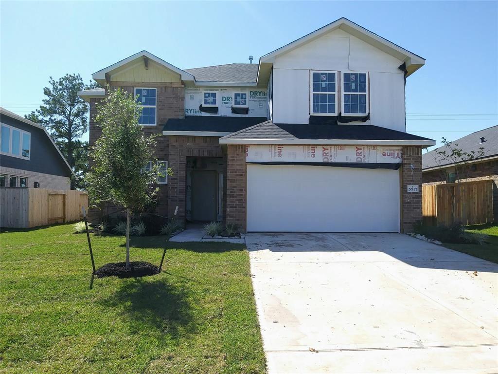Photo for 20127 Bushwick Falls Drive, Montgomery, TX 77316 (MLS # 8485289)